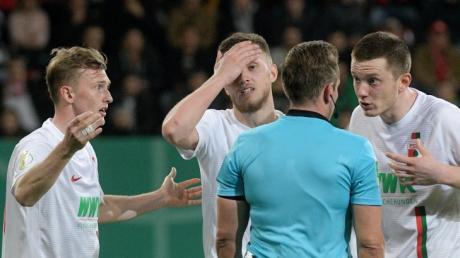 Der FC Augsburg ist aus dem DFB-Pokal ausgeschieden.