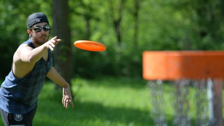 Disc Golf ist im Trend. Auch in der Region kann man den Sport ausprobieren.