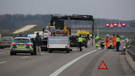 Für die Unfallaufnahme waren zwei Spuren der A8 zeitweise gesperrt.