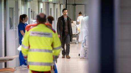 "Szene aus dem Dortmund-Tatort ""Inferno"": Kommissar Peter Faber (Jörg Hartmann) bei Ermittlungen in der Klinik."