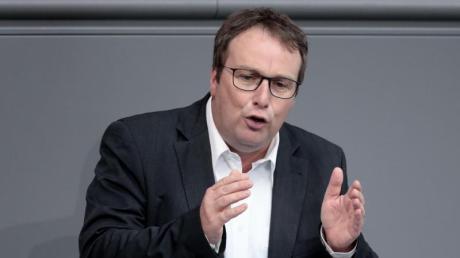 """Oliver Krischer von Bündnis 90/Die Grünen sagt: """"Der Vorstoß von Bundesverkehrsminister Scheuer kann nur ein PR-Gag sein."""""""