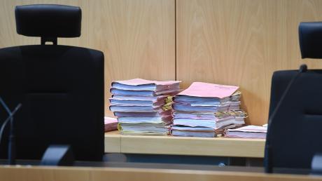Beim Amtsgericht in Augsburg muss sich ein junger Mann aus dem Landkreis wegen Vergewaltigung verantworten.