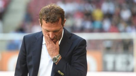 Die 0:6-Niederlage beim FCAugsburg war zu viel: Der VfB Stuttgart hat sich von Trainer Markus Weinzierl getrennt.