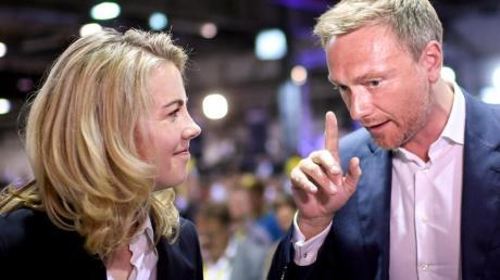 Gute Ergebnisse für beide:Linda Teuteberg, die neue FDP-Generalsekretärin, und Parteichef Christian Lindner beim Bundesparteitag der Liberalen. Foto:Britta Pedersen