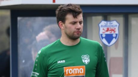Bezirksliga Nord Fußball; SC Bubesheim rot - SV Holzkirchen blau-gelb; hier SC Bubesheim Spieler TW 1 Simon Zeiser