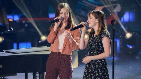"""Die Schwestern Mimi und Josefin aus Augsburg haben die Show """"The Voice Kids"""" gewonnen."""