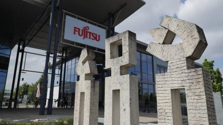 Wie geht es bei Fujitsu weiter? Bei einer Mitarbeiterversammlung hat das Unternehmen seinen Fahrplan zur Schließung des Augsburger Werks vorgestellt.