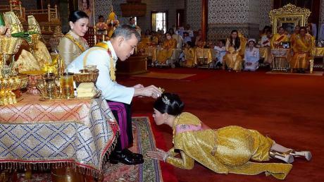 Thai-König Maha Vajiralongkorn hält sich regelmäßig in Bayern auf. Bislang war unklar, ob er dafür ein Visum benötigt.