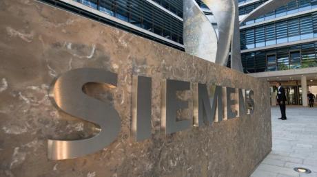 In der Münchner Siemens-Konzernzentrale brodelt die Gerüchteküche.