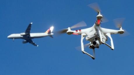 Wegen einer Drohne ist der Flugbetrieb am Flughafen Frankfurt derzeit eingestellt.