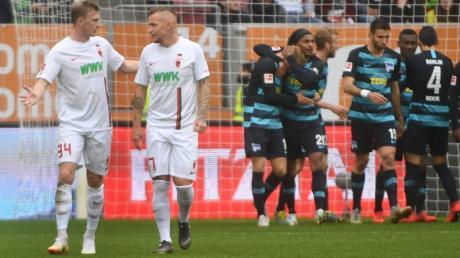 Der FC Augsburg verliert das letzte Heimspiel der Saison mit 3:4.