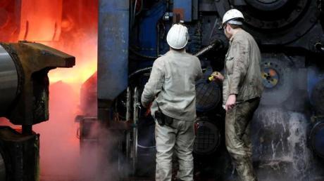 ThyssenKrupp will in den kommenden drei Jahren 6000 Stellen streichen, davon 4000 in Deutschland.