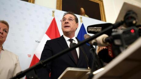 Heinz-Christian Strache auf der Pressekonferenz im Bundeskanzleramt. Foto: APA