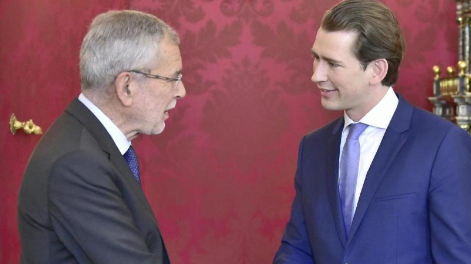 Alexander Van der Bellen empfängt Bundeskanzler Sebastian Kurz zum Gespräch in der Präsidentschaftskanzlei. Foto: Hans Punz/APA