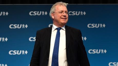 Der CSU-Europaabgeordnete Markus Ferber hat die Auftragsvergabe in der europäischen Raumfahrtpolitik scharf kritisiert.