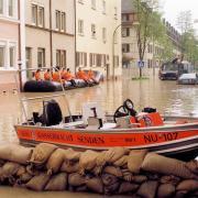 D01_FS,_XI.02.06._200_(D),_Pfingsthochwasser_in_der_Schuetzenstrasse_Neu-Ulm_┬®Stadtarchiv_Neu-Ulm,Horst_Hoerger.jpg