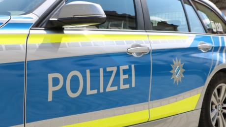 Unbekannte haben im Verlauf der vergangenen Woche neun Wahlplakate der Alternative für Deutschland (AfD) gestohlen. Wie die Polizei mitteilte, richteten sie damit einen Schaden von etwa 450 Euro an.