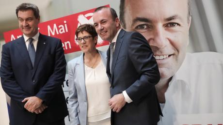 Die Parteivorsitzenden Markus Söder (CSU) und Annegret Kramp-Karrenbauer (CDU) sowie Manfred Weber (CSU) am Sonntag.
