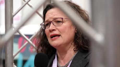 Die SPD-Vorsitzende Andrea Nahles will sich als Fraktionschefin zur Wahl stellen.