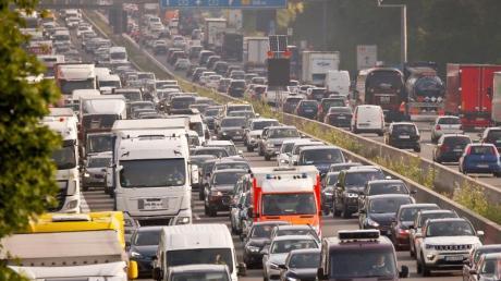 Rund um Christi Himmelfahrt sind Staus auf deutschen Autobahnen sehr wahrscheinlich. Foto: David Young