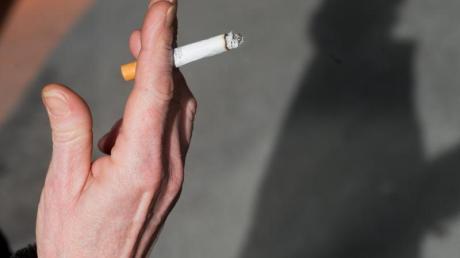 Eine fahrlässig ausgedrückte Zigarette hat am Dienstagabend einen Brand ausgelöst.