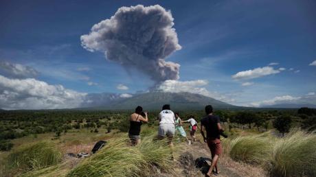 Vulkanausbruch auf Bali: Der Agung ist wieder aktiv. Für Touristen besteht aber offenbar keine Gefahr.