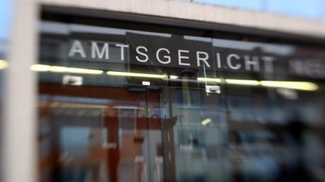 Am Amtsgericht Neu-Ulm wurde wegen zwei Fällen von gefährlicher Körperverletzung verhandelt.