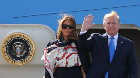 US-Präsident Donald Trump und seine Frau Melania sind in London gelandet.
