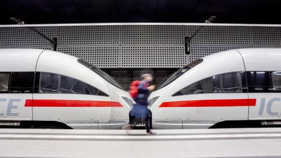 Die Deutsche Bahn mutet ihren Fahrgästen derzeit sehr viel zu.  Pünktlichkeit und Verlässlichkeit haben sehr gelitten.
