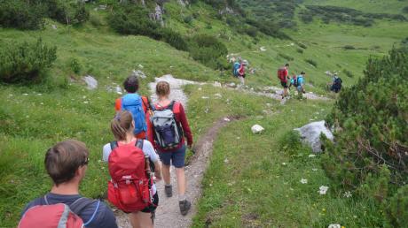 Wandern wird immer beliebter. Von Gipfelruhe ist an vielen Orten nicht mehr viel zu spüren.