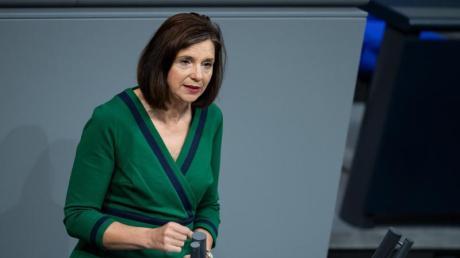 Grünen-Fraktionschefin Katrin Göring-Eckardt fordert eine sträkere parlamentarische Beteiligung in der Corona-Krise.