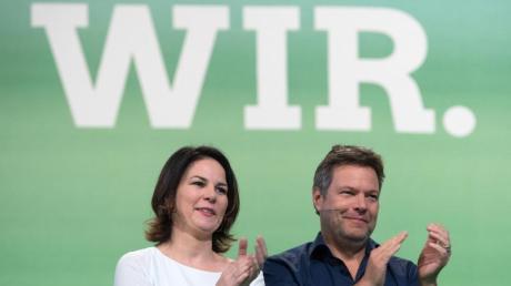 Die Grünen können Geschlossenheit, das zeigt sich vor dem Bundesparteitag. Im Bild die Vorsitzenden Annalena Baerbock und Robert Habeck.