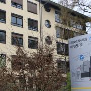 Der Abschlussbericht zum Corona-Ausbruch am Friedberger Krankenhaus wird vorerst nicht öffentlich vorgestellt.