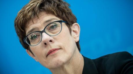 CDU-Chefin Annegret Kramp-Karrenbauer will einer möglichen Zusammenarbeit mit der AfD einen Riegel vorschieben.