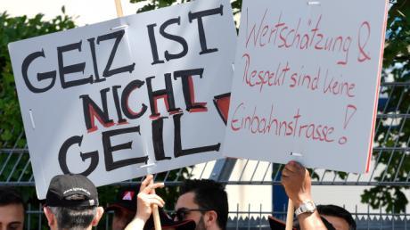 Eine Impression vom Warnstreik bei Wanzl.