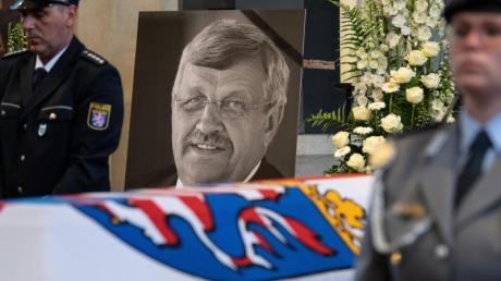 Der CDU-Politiker Walter Lübcke war in der Nacht zum 2. Juni mit einer Schussverletzung im Kopf auf der Terrasse seines Wohnhauses in Wolfhagen entdeckt worden.