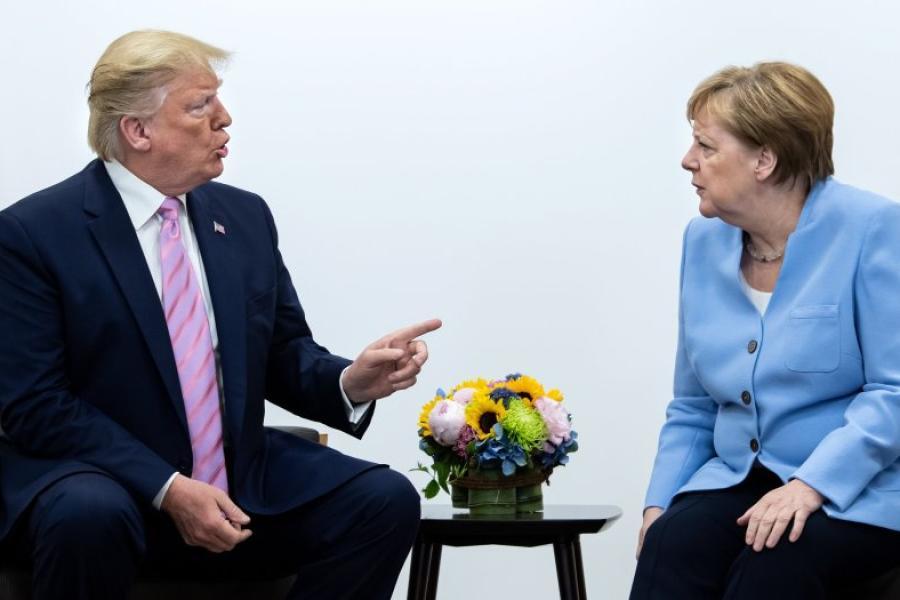 вариант, конечно, сурков и меркель фото славится своей