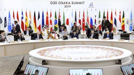 Die G20-Staats- und Regierungschefs haben sich beim Gipfel in Japan trotz tiefgreifender Meinungsunterschiede auf eine gemeinsame Abschlusserklärung verständigt.