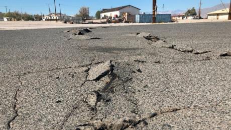 Wenn sich die Erde öffnet: Solche Risse bildeten sich, als Anfang Juli in Kalifornien die Erde heftig bebte.
