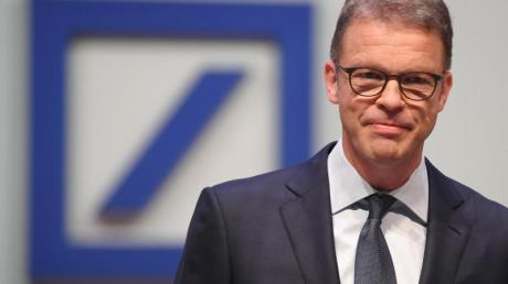 Mit dem radikalen Umbau will Deutsche Bank-Chef Christian Sewing das Finanzhaus konkurrenzfähiger machen. Foto: Arne Dedert