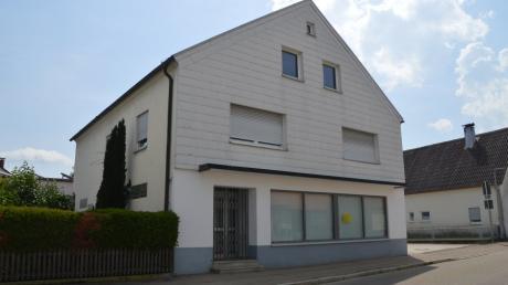 Die Geschäftsräume des ehemaligen Lebensmittelmarktes Hiller in Haunsheim stehen nach wie vor leer.