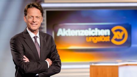 """Moderator Rudi Cerne stellt die Fälle heute Abend bei """"Aktenzeichen XY"""" vor."""