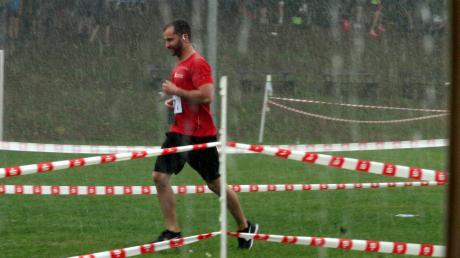 50 Minuten nach dem Start des Staffellaufes brach ein Gewitter über Hochwang herein. Zahlreiche Läufer erwischte es voll. Der 20 Minuten dauernde Starkregen mit Blitz und Donner führte schließlich zum Abbruch des Landkreislaufes.