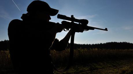 Beim Thema Nachtsichttechnik gehen die Meinungen in der Jagd-Branche weit auseinander.