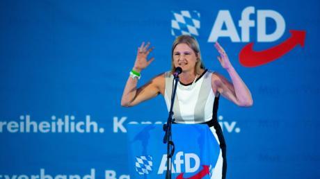 Katrin Ebner-Steiner bleibt Vorsitzende einer gespaltenen und tief zerstrittenen AfD-Landtagsfraktion.