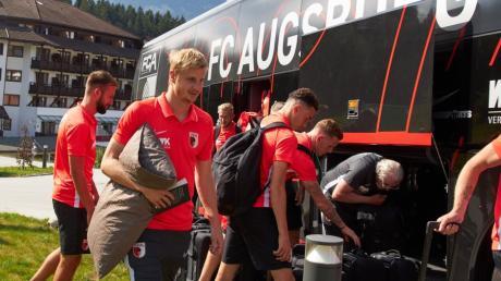 Martin Hinteregger ist das Dauer-Thema beim FC Augsburg.