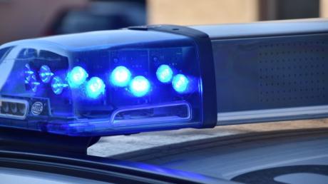 In Knottenried hat ein Unbekannter einen Verteilerkasten umgetreten. Die Polizei hofft auf Hinweise.