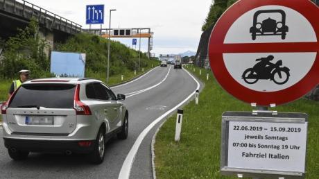 Die Fahrverbote in Tirol sollen auch während der Skisaison gelten.
