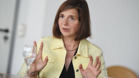 Grünen-Chefin Katrin Göring-Eckart fordert eine staatlich finanzierte Seenotrettung der europäischen Staaten für das Mittelmeer.