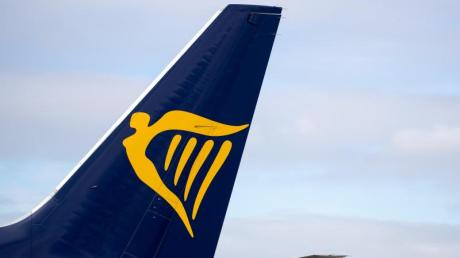 In den Monaten April bis Juni verdiente Ryanair 243 Millionen Euro und damit 21 Prozent weniger als ein Jahr zuvor.